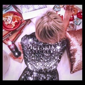 Fashion show 2018 glitter satin kimono robe XS/S